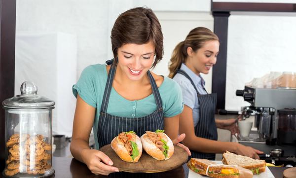 Hizmet sektörünün payı 1,7 puan arttı