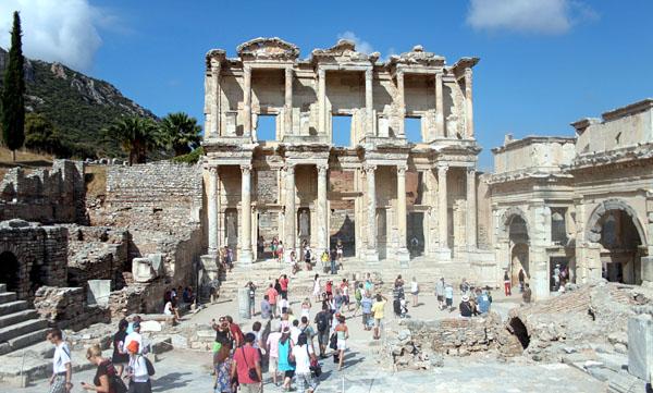 İzmir'e gelen ziyaretçi sayısı yüzde 69 azaldı