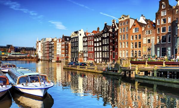 Hollanda'da restoran ve kafeler 1 Haziran'da açılacak