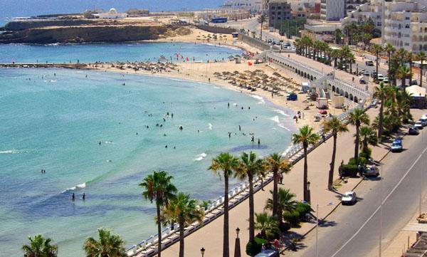 Tunus Alman turistleri bekliyor