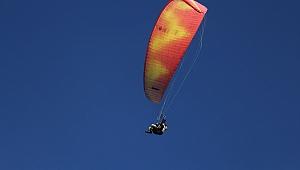 Yamaç paraşütü Kuşadası turizmine renk katacak