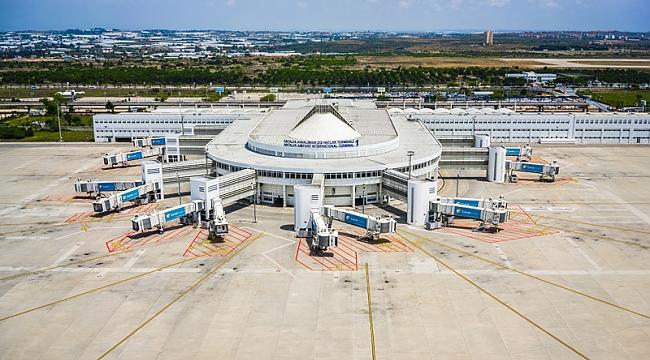Charter uçuşların eylül şampiyonu yine Antalya Havalimanı