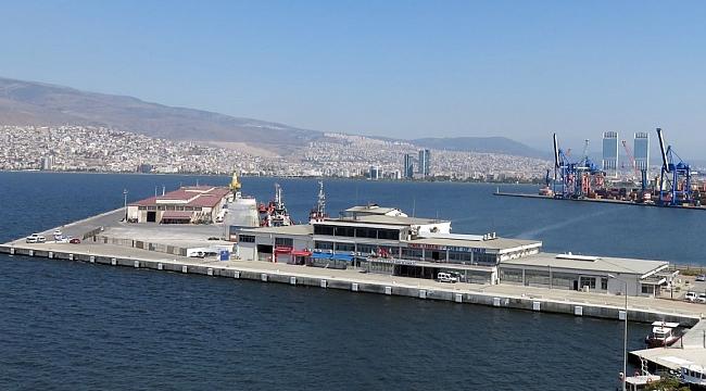 İşler : ''İzmir turizmi kruvaziyersiz olmaz''