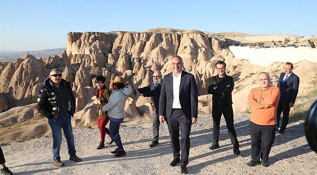 Turizm Bakanı Ersoy, Kapadokya'yı gezdi