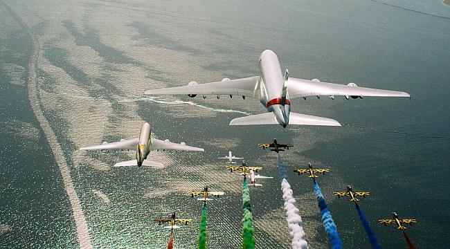 BAE'nin havayolu şirketleri, Şeyh Zayed'i anmak için el ele verdi