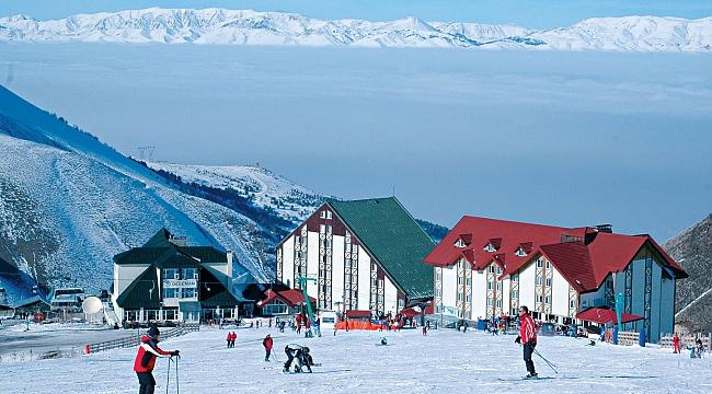 Palandöken'de kış turizmi sezonunu açıldı