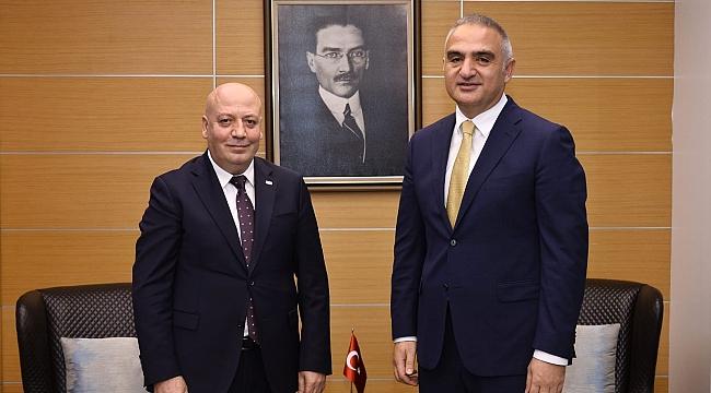TUROYD yönetimi Bakan Ersoy ile görüştü
