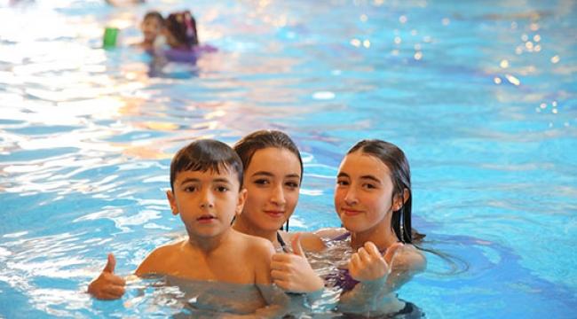 790 okul birincisi 1580 yakını ile 5 yıldızlı otellerde tatil yapacak