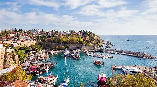 Antalya'nın hizmet sektöründeki payı geriledi