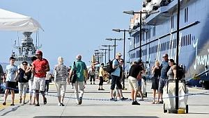 Turizm gelirinde de hedef ilk 10'a girmek