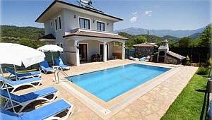 Oteller doldu villa turizmi patladı