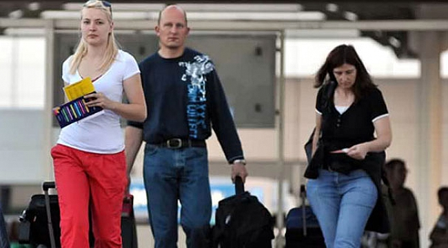 Türkiye'ye gelen yabancı ziyaretçi sayısı yüzde 69 düştü