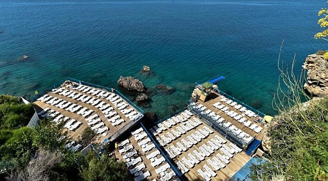 Falez plajlarından İnciraltı'nda deniz sezonu başladı