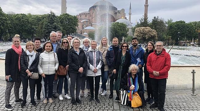 Binden fazla yabancı turizmci İstanbul'u ziyaret etti