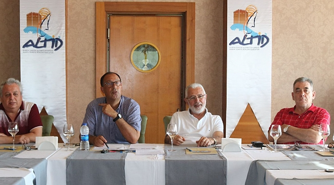 ALTİD Başkanı Burhan Sili, ''Tehlike çanları çalıyor''