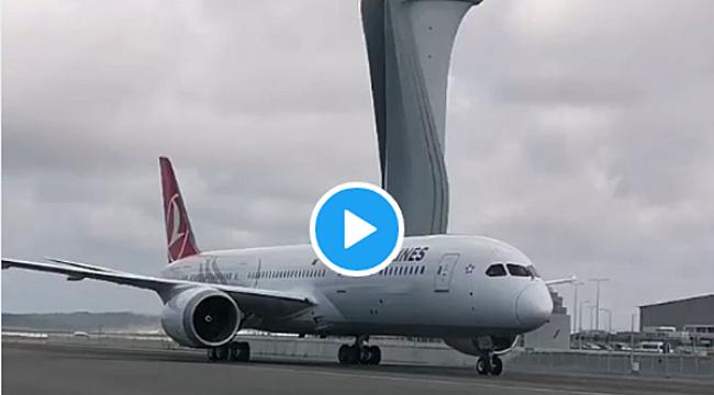 THY'nin ilk 'rüya' uçağı İstanbul'a indi