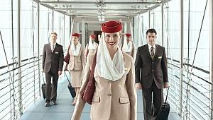 Emirates 2660 dolar maaşla kabin memuru alacak