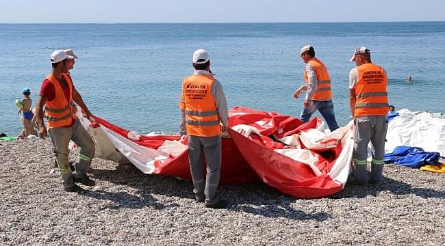 Konyaaltı Sahili'nde işgallere geçit yok