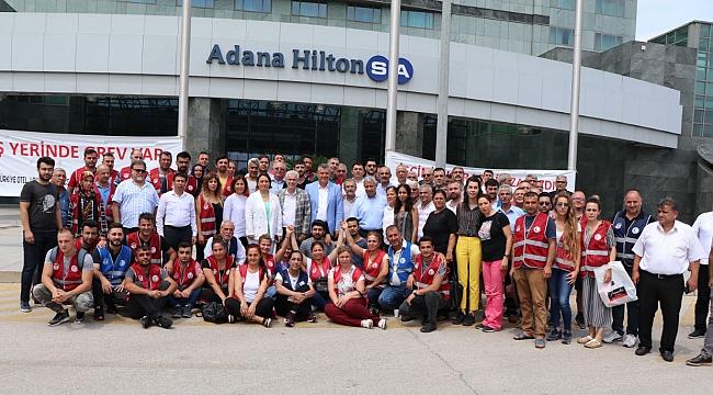 CHP'den grevdeki otel işçilerine ziyaret