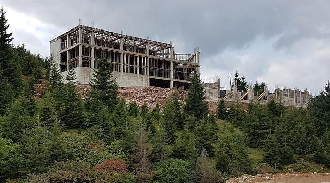Beş yıldızlı otelin inşaası sürüyor