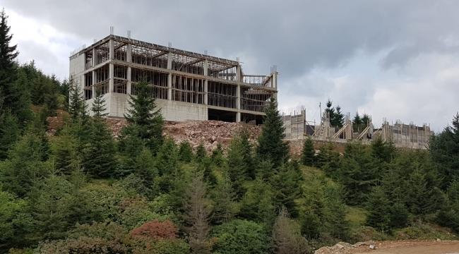 Çambaşı Yaylası'nda yapılan 5 yıldızlı otelin inşaatı yükseliyor
