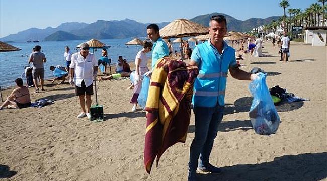 Mavi Bayraklı Halk Plajı'nda çevre temizliği