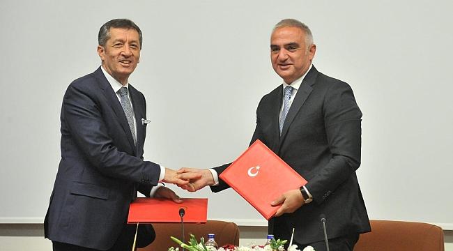 Türkiye dünya turizmine ''üst düzey'' yöneticiler yetiştirecek