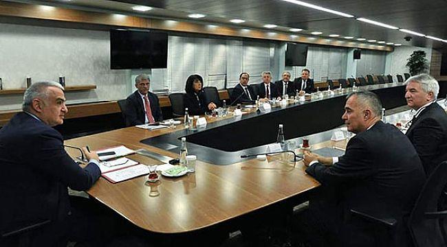 TÜROFED'in yeni yönetiminden Bakan Ersoy'a ziyaret