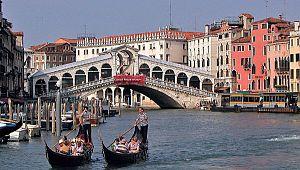 İtalya 26 Nisan'dan itibaren yeniden açılmaya başlayacak