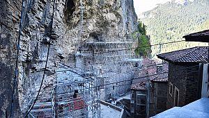 Sümela Manastırı ziyaretçilerini bekliyor
