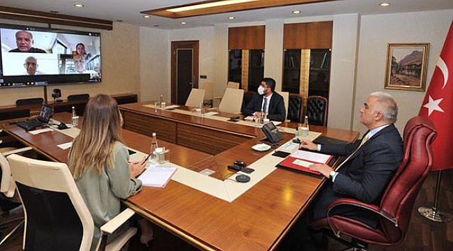 Bakan Ersoy, TUI yöneticileriyle görüştü