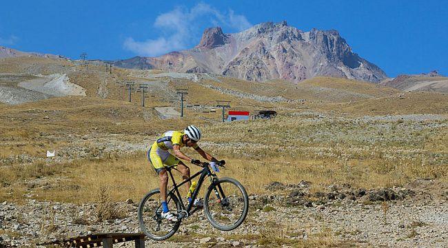 Erciyes'te Uluslararası Dağ Bisikleti Heyecanı