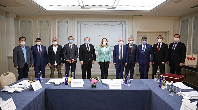 Bulgar turizm bakanı sektör temsilcileriyle buluştu