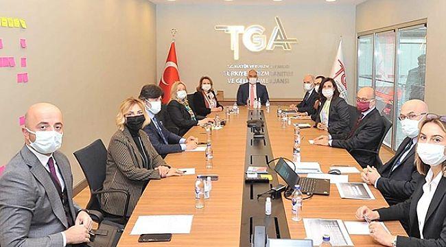 TUGEV Yönetim Kurulu'ndan Bakan Ersoy'a ziyaret