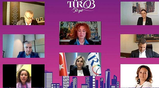 Turizmde 100 çalışandan 33'ü kadın