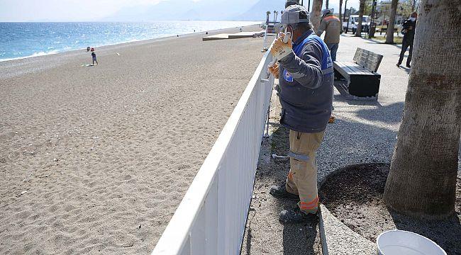 Dünyaca ünlü Konyaaltı Sahili yaz sezonuna hazırlanıyor